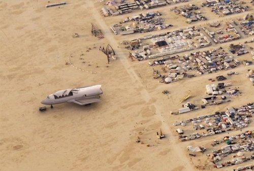 Переделанный Boeing 747 на фестивале Burning Man (7 фото + видео)