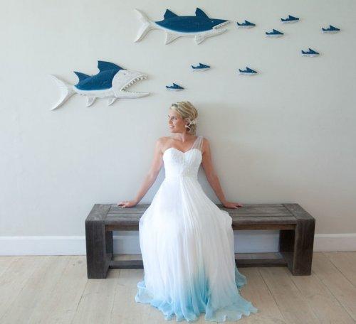 Новый тренд: свадебные платья с плавным цветовым переходом (17 фото)