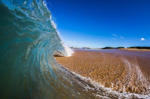 Морские волны в фотографиях Мэтта Бургесса (30 фото)