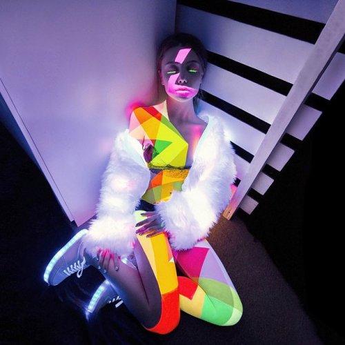 Instagram 22-летней модели и художницы Елены Шейдлиной (22 фото)