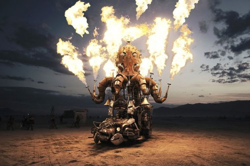 Сюрреалистические фотографии фестиваля Burning Man от Виктора Хабчи (27 фото)