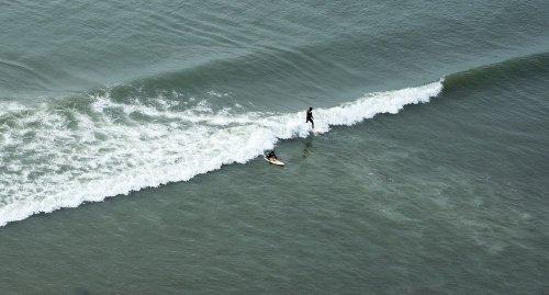 Самая длинная в мире волна для сёрфинга в Чикаме, Перу (12 фото)