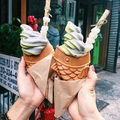 Новое лакомство: мороженое в рыбе (5 фото)