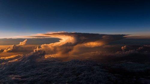 Завораживающие фотографии Земли из кабины пилота (22 шт)