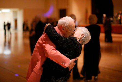 Настоящая любовь с годами не проходит (30 фото)