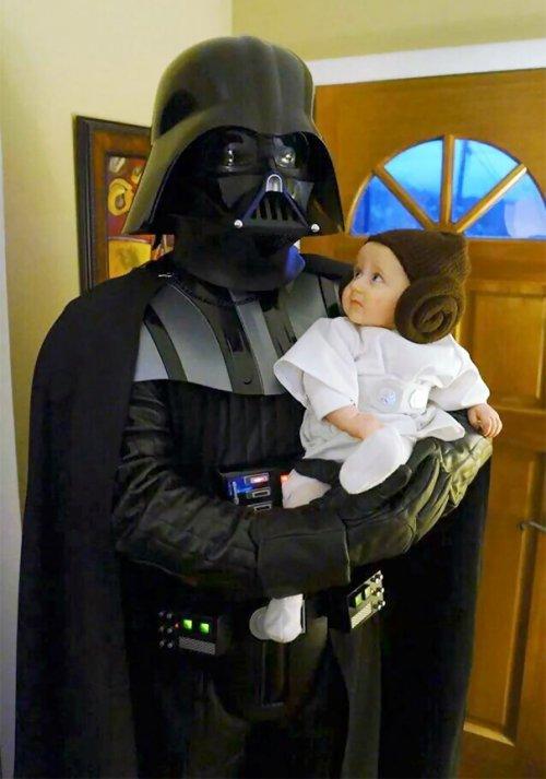 Костюмы на Хэллоуин для родителей с детьми (33 фото)
