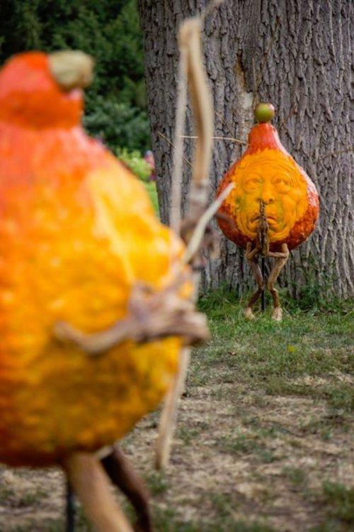 Невероятные тыквенные скульптуры от Рэя Виллафэйна (13 фото)