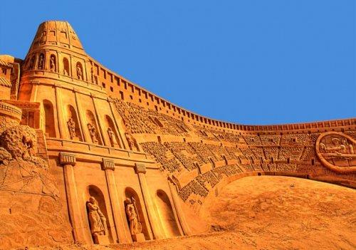 Впечатляющие песочные скульптуры (21 фото)