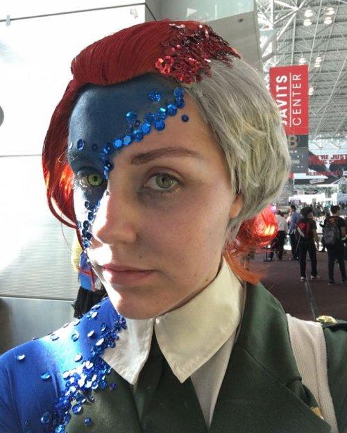 Костюм Мистик на New York Comic Con (3 фото)
