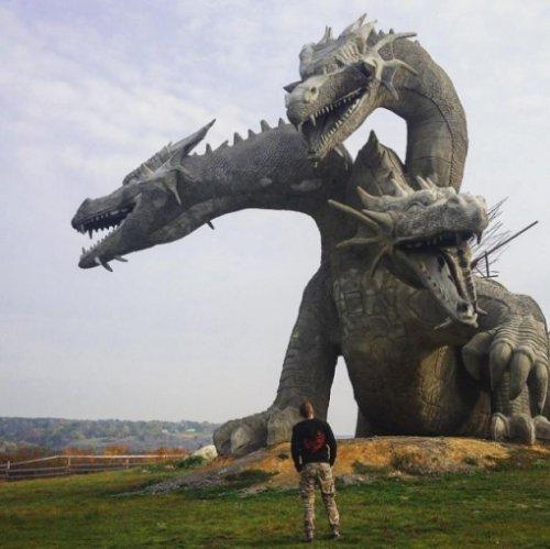 Фотография с русским сказочным персонажем Змеем Горынычем взорвала Instagram