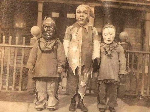 Костюмы на Хэллоуин из прошлого (31 фото)