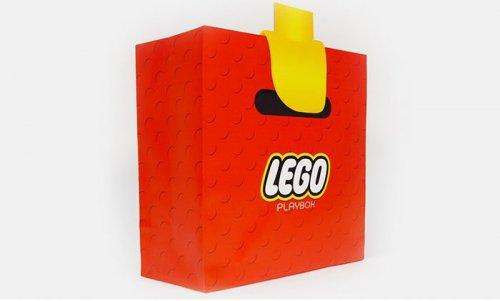 Сумка, превращающая руку в руку LEGO-человечка (4 фото)