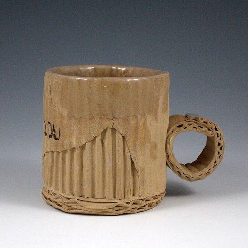 Глиняные чашки, искусно сделанные так, будто они из картона (16 фото)