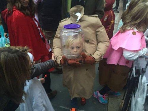 Прикольные костюмы на Хэллоуин (24 фото)