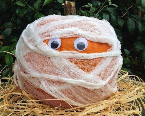 Оригинальные декорации из тыкв на Хэллоуин (10 фото)