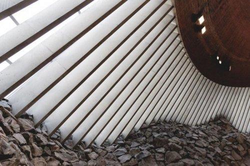 Необычная лютеранская церковь в Хельсинки (9 фото)