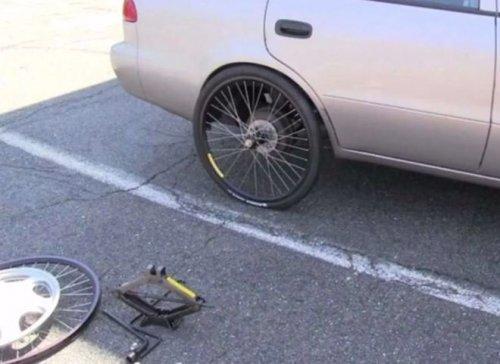 Народный ремонт автомобилей (17 фото)