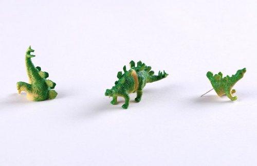 Оригинальные серёжки в виде динозавров (9 фото)