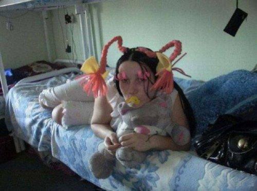 Чудаки и чудачки из социальных сетей (17 фото)