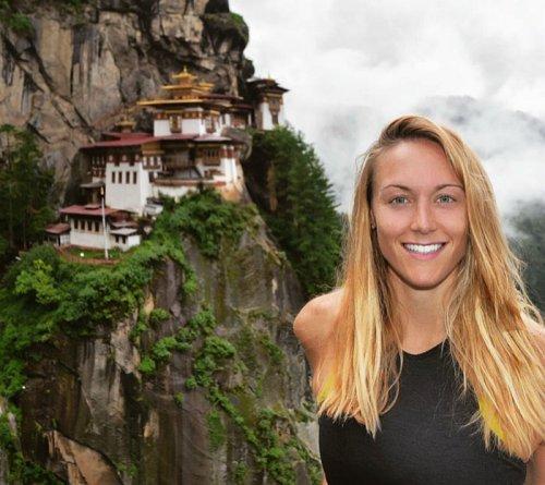27-летняя путешественница собирается стать первой женщиной, объездившей все страны мира (18 фото)