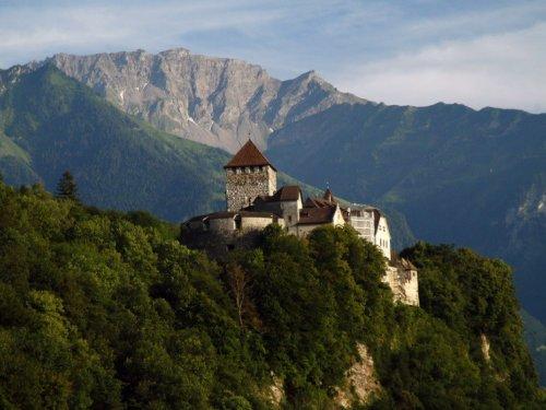 Топ-10: Удивительные и необычные туристические достопримечательности в Лихтенштейне