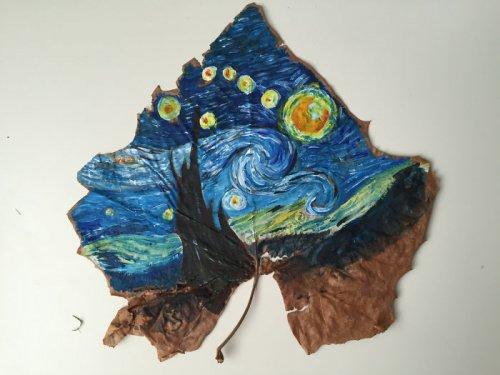 Искусство на осенних листьях (12 фото)
