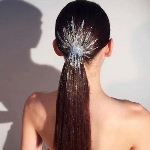 Креативные причёски на Новый год (35 фото)