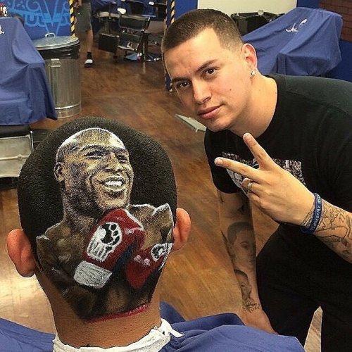 Талантливый парикмахер выстригает портреты на головах клиентов (15 фото)