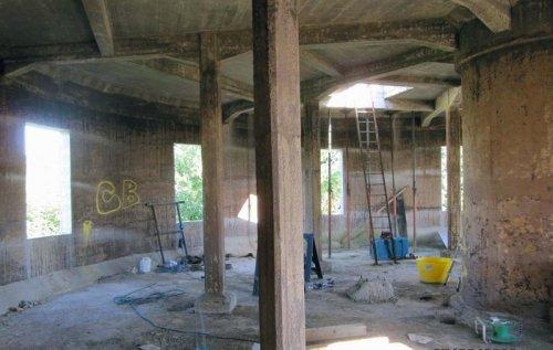 Британец превратил водонапорную башню в дом мечты (12 фото)