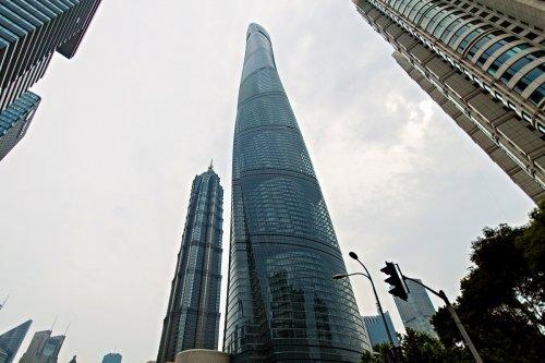 Спиралевидные небоскрёбы со всего света (13 фото)