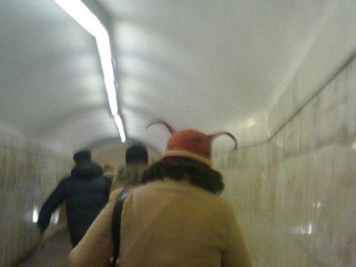 Весёлые зимние шапки, которые поднимают настроение (15 фото)
