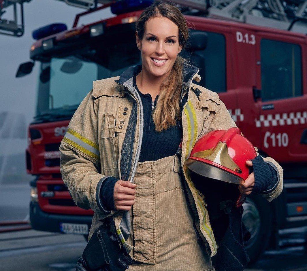 firefighter-wife-pictures-sex-petite-babe-riding-gif
