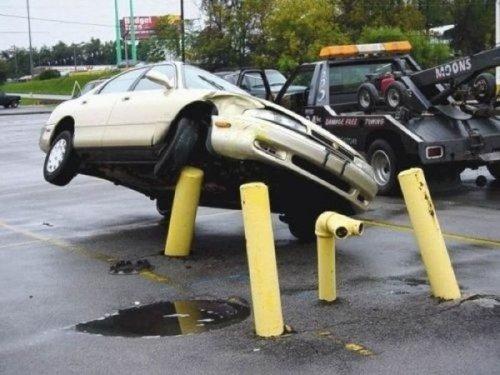Необычные аварии и впечатляющие ДТП (28 фото)