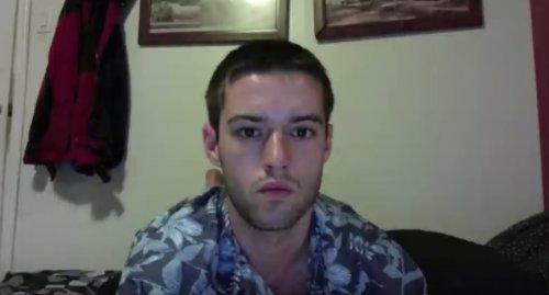 Видеоролик из селфи, которые парень делал в течение 8,5 лет