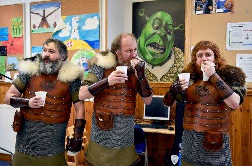 Эти эпичные фотографии шотландского фестиваля викингов заставят вас захотеть присоединиться (18 фото)