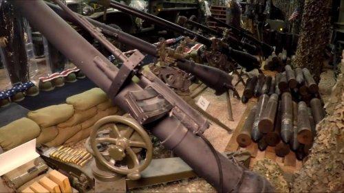 """Мел Бернштайн — """"человек-дракон"""", являющийся самым вооружённым человеком в Америке (14 фото)"""