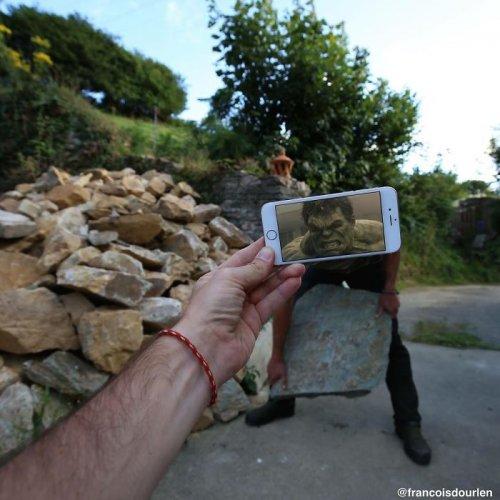 Сцены из фильмов, внедрённые в реальность с помощью смартфона (31 фото)