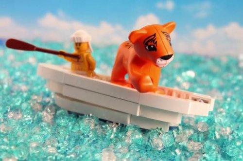 Известные сцены из фильмов блестяще воспроизведены из LEGO (6 фото + видео)