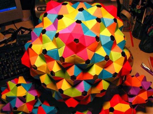 Модульное оригами: древнее искусство кусудама (23 фото)