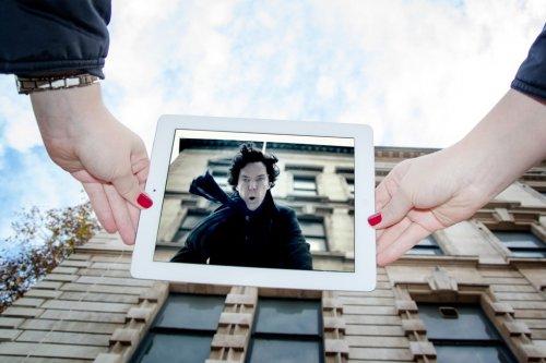 Любительницы кино фотографируют места съёмок известных фильмов (37 фото)