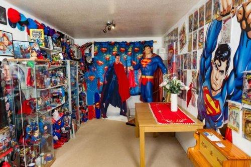 Самая большая в мире коллекция, посвящённая Супермену (14 фото)