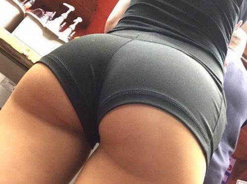 Сексуальные женские попки (23 фото)