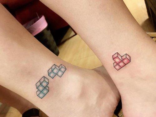 Креативные парные татуировки для влюблённых (21 фото)