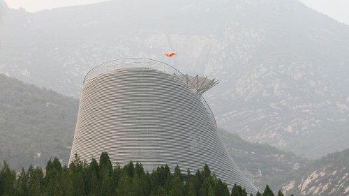 Новое чудо: храм летающих монахов
