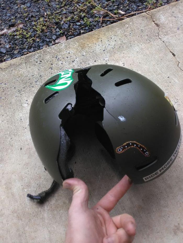 Для секса надевали шлем