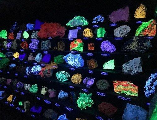 Светящиеся камни музея Стерлинг-Хилл Майнинг (6 фото)