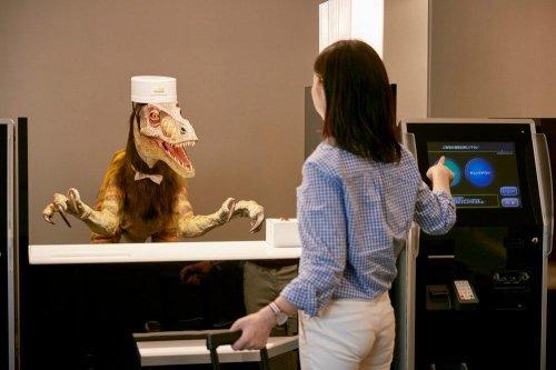 Японский отель вместо людей принимает на работу роботов (9 фото)