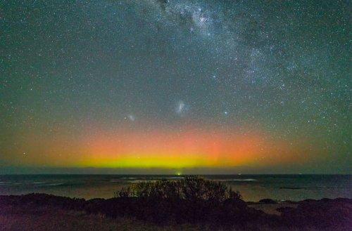 Уникальные кадры: полярное сияние над Австралией (6 фото + видео)