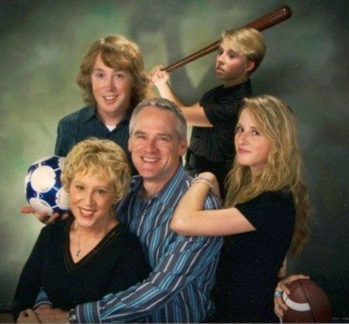Забавные и нелепые семейные фотографии (19 шт)