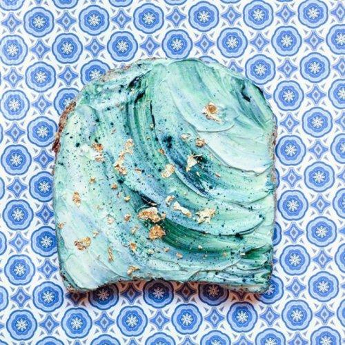 Разноцветные тосты покоряют Instagram (26 фото)